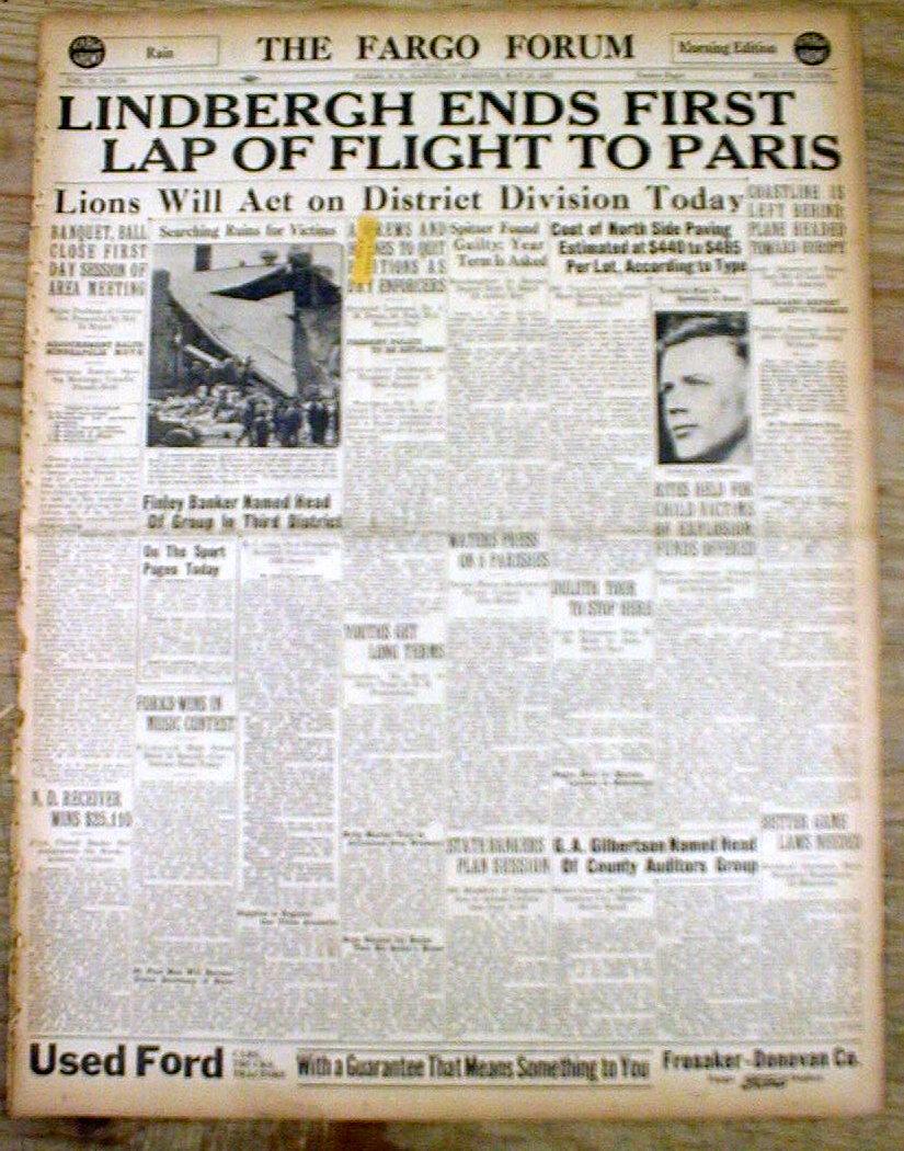 2 1927 headline newspapers aviator charles lindbergh for Flights ny to paris